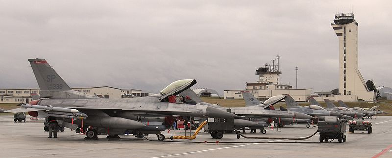 File:Spangdahlem Air Base, F-16 Fighting Falcons 2010.jpg