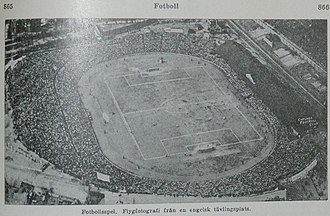 Stamford Bridge (stadium) - A jam packed Stamford Bridge in the early 1930s