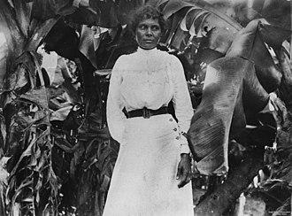 South Sea Islanders - Image: State Lib Qld 1 46375 South Sea Islander woman at Farnborough, Queensland, ca. 1895