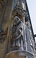 Statue de saint Denis, évêque de Paris, à Saint-Germain-lAuxerrois, Paris 2010.jpg