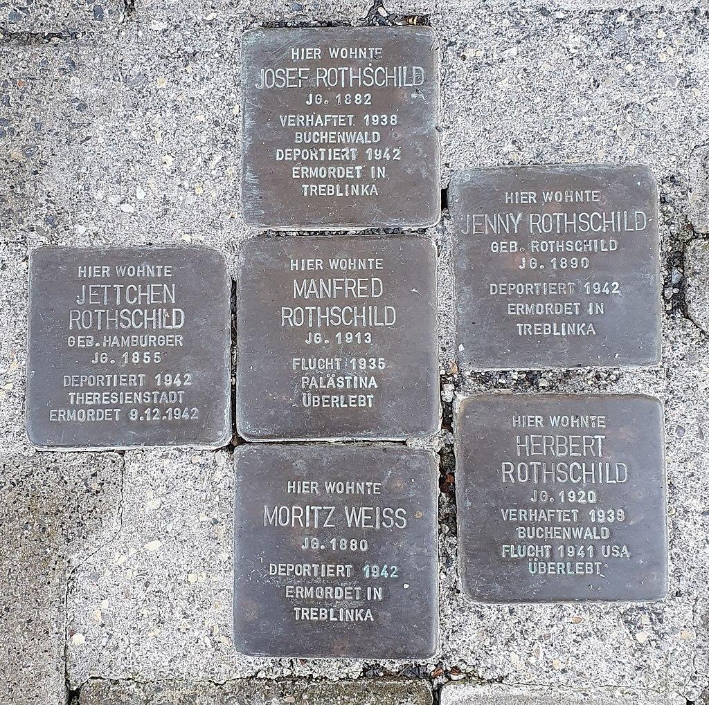 Stolpersteine Heldenbergen Burggasse7.jpg