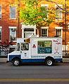 Sundaescones Shakes, Ice cream truck, 2013-05-01.jpg