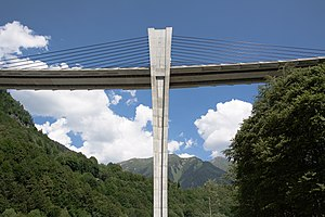 Extradosed bridge - Sunniberg Bridge, Switzerland Main spans 140m, 1998