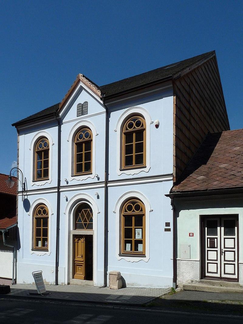 Synagoga Hartmanice 01.jpg