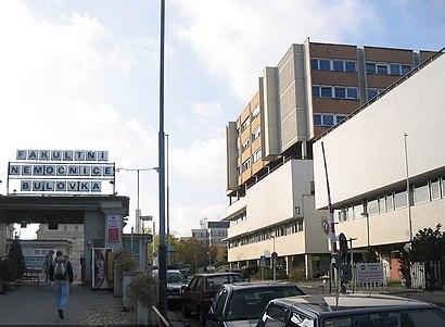 Jak do Nemocnice Na Bulovce hromadnou dopravou - O místě