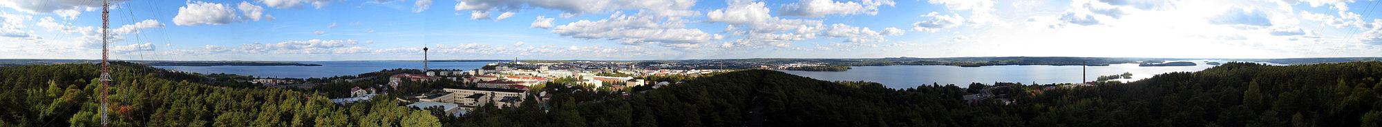 Panorama Tampere z věže v Pyynikki