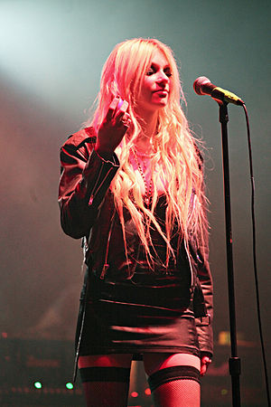 The Pretty Reckless - Momsen at the Warped Tour Kickoff in April 2010