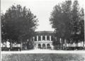 Teatro-arena in piazza Virgiliana.PNG