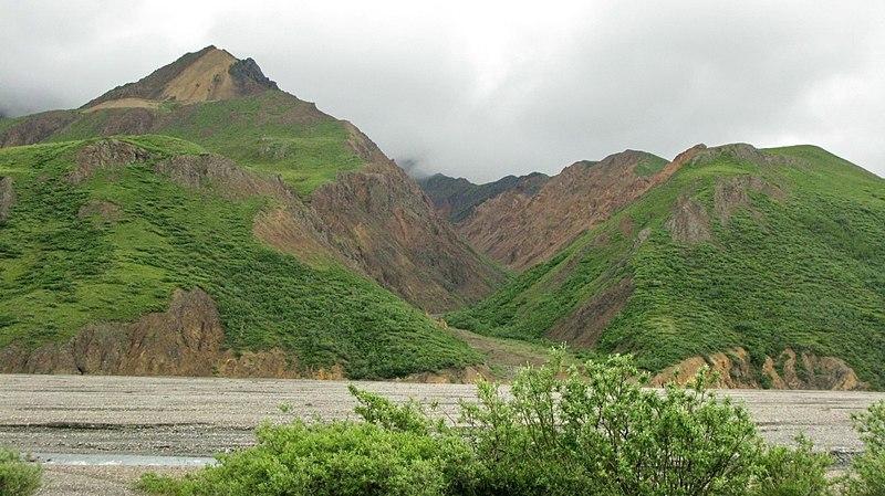 File:Teklanika River.jpg