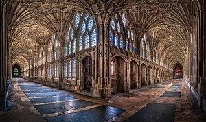Los claustros de la catedral de Gloucester.jpg