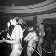 The Ladybirds opptrer i Bergen The Ladybirds performing in Bergen, Norway (1968) (7).jpg