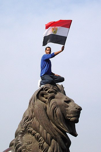 The lion of Egyptian revolution (Qasr al-Nil Bridge)-2x3.jpg