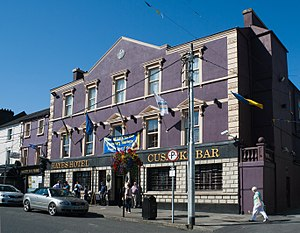 Thurles - The historical Hayes' Hotel in Liberty Square