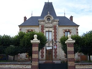 Tilly, Yvelines - Town hall