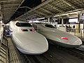 Tokaido Shinkansen train front.jpg