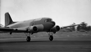 Topdressing (crop duster) DC3, Palmerston North, New Zealand 1973.jpg