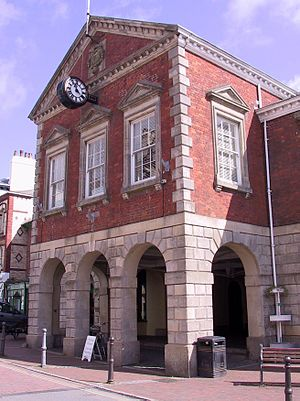 Great Torrington - Image: Town hall torrington 050416