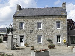 Tréflaouénan (29) Mairie 01.JPG