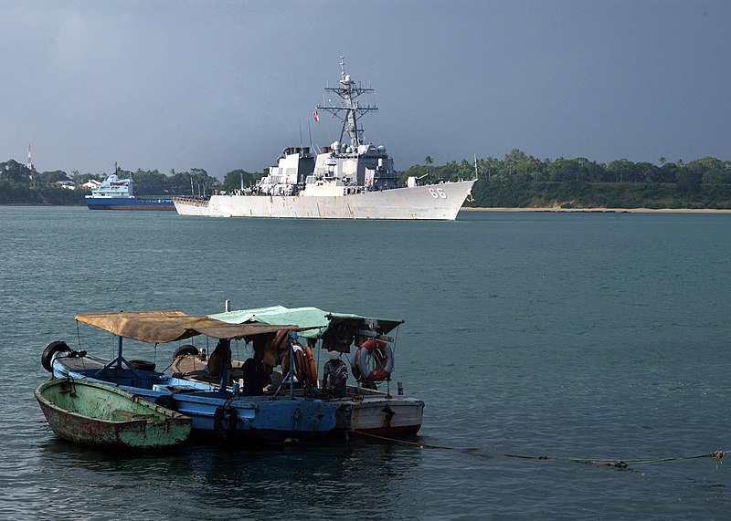 File:US Navy 050706-N-0401E-004 The guided missile destroyer USS Gonzalez (DDG 66) pulls into the port of Mombasa, Kenya for an overnight port call.jpg