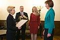 Vēstniecei Ilzei Juhansonei pasniedz Saeimas Prezidija atzinības rakstu (22754464936).jpg