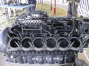 V12 aircraft engine.jpg