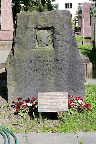 Carl Gustav Fleischer - General Fleischer's gravestone at Vår Frelsers gravlund.