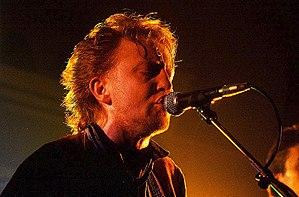 Vinnie Kilduff - Vinnie performing in Dublin 1990