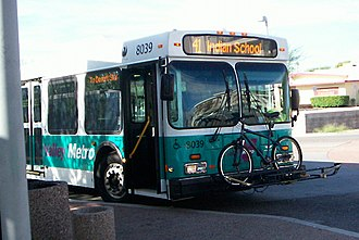 Valley Metro - A bus waiting in Scottsdale, wearing the Valley Metro color scheme used from 2006 to 2008