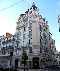 Vichy immeuble 39 rue de Paris.jpg