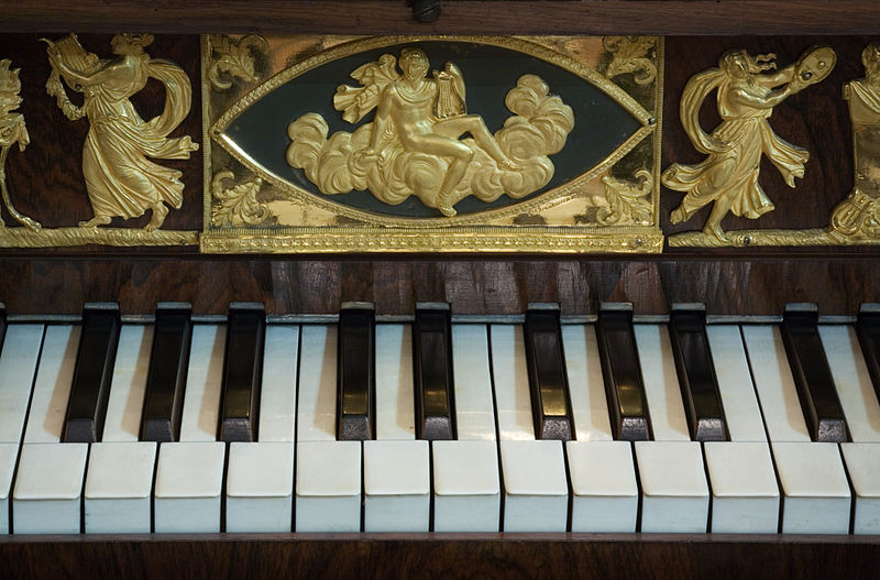 File:Vienna - Detail of a Baroque Piano Keyboard - 9539.jpg