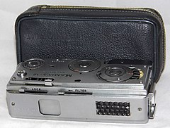 Vintage Mamiya 16 Automatic Spy-Type Film Camera, Made In Japan, A Subminiature Viewfinder Camera, Uses 16mm Film, Introduced In 1959 (16718595445).jpg