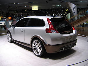Volvo C30 Concept Car - Flickr - robad0b (2).jpg