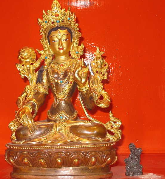 File:White Tara statue manor place 291107.jpg