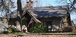 William E Gordon house (Bellevue, NE) from SE 1.jpg
