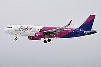 Wizz Air, HA-LYT, Airbus A320-232 (37889467144) (2).jpg