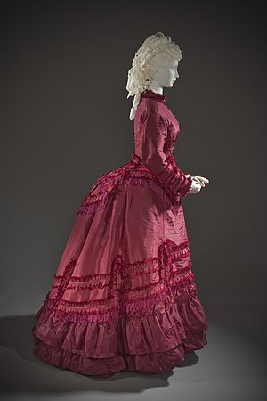 Bustle - Image: Woman's Promenade Dress LACMA M.2007.211.773a d (5 of 5)