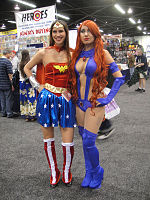 File:WonderCon 2012 - Wonder Woman and Starfire (6873030808).jpg