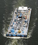 Work barge in Tokyo 20110812 1.jpg