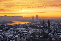 Zepper-sunrise-over-the-niveous-city-of-bonn.jpg