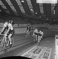 Zesdaagse wielrennen RAI Amsterdam, tweede dag. Koppel Duyndam-Eugen in aktie, Bestanddeelnr 923-0704.jpg