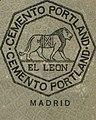 """""""EL LEON CEMENTO PORTLAND MADRID"""" (THE LION PORTLAND CEMENT MADRID) de- Anuario de ferrocarriles españoles. 1915 (page 1 crop).jpg"""