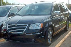 '08 Chrysler Town And Country.jpg
