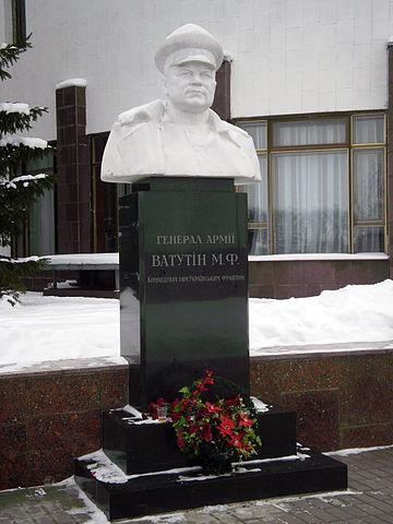 Памятник в музее освобождения Киева, в с. Новые Петровцы