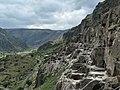 Ва́рдзиа — пещерный монастырский комплекс XII—XIII веков на юге Грузии, в Джавахетии 10.jpg