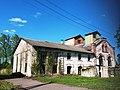 Комплекс зданий винокуренного завода (главный корпус), д. Дойничево.jpg