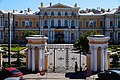 Санкт-Петербургское Суворовское военное училище. Вид с галереи Гостиного двора.jpg