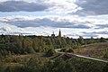 Храм Михаила Архангела в с.Поджигородово (1778-1783). Вид с левого берега р.Нудоли.jpg