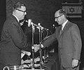 זאב לב מקבל פרס ישראל 1962 צלם יהודה איזנשטרק גנזך המדינה (יצירה נגזרת).jpg