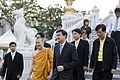 นายกรัฐมนตรีตรวจเยี่ยมความเรียบร้อยของการก่อสร้างพระมห - Flickr - Abhisit Vejjajiva (3).jpg