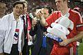 นายกรัฐมนตรี เป็นประธานทีมเชียร์ไทย ในการแข่งขันฟุตบอล - Flickr - Abhisit Vejjajiva (17).jpg